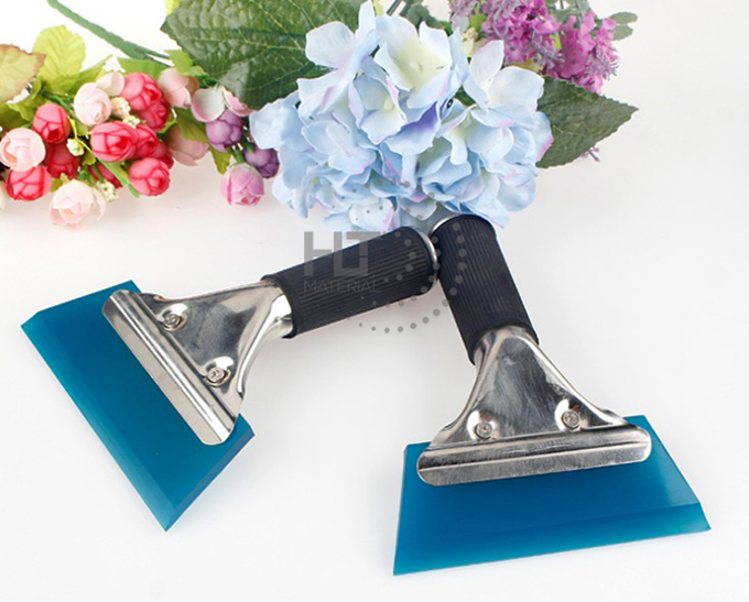 RUBBER SQUEEGEE WITH HANDLE 3.
